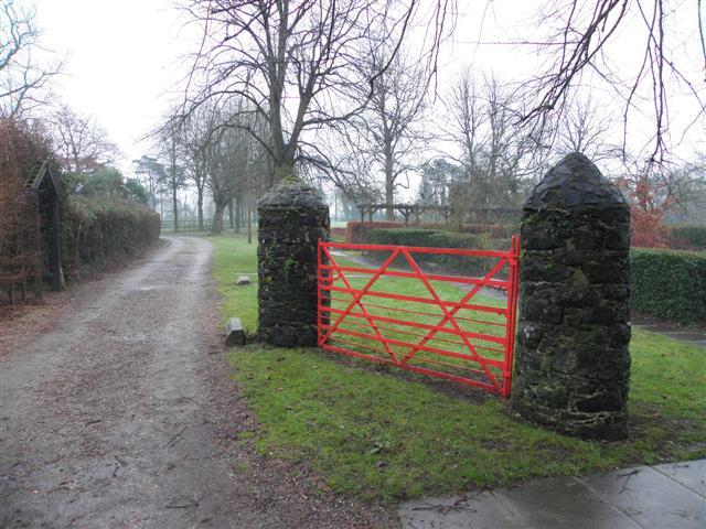 kissing gate  tannaghmore gardens  u00a9 kenneth allen cc