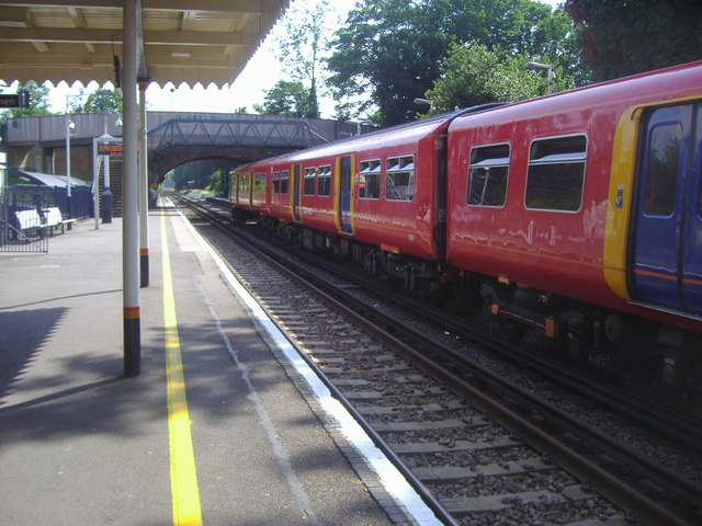Train at Ewell West station