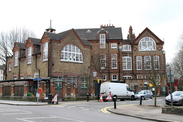 Stroud Green Primary School © Martin Addison cc-by-sa/2.0 ... Hornsey School For Girls