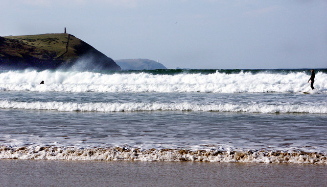 Cold surfing at Polzeath