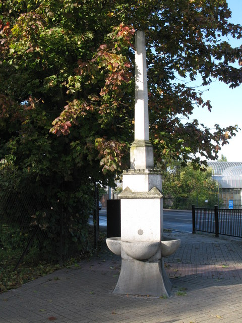 Obelisk drinking water fountain, Bromley Road / Beckenham Hill Road, SE6