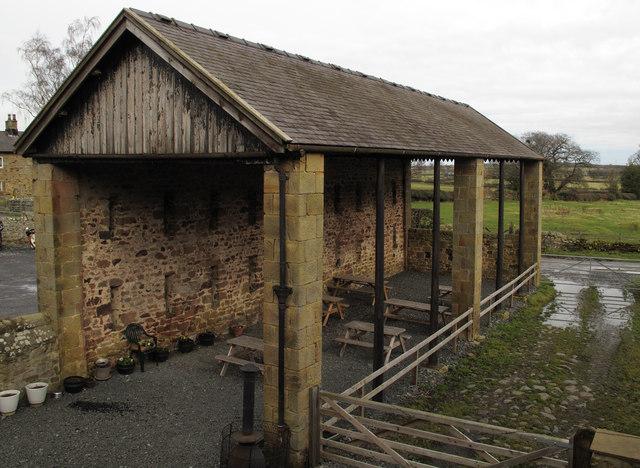 Open sided barn at High House © Trevor Littlewood ...