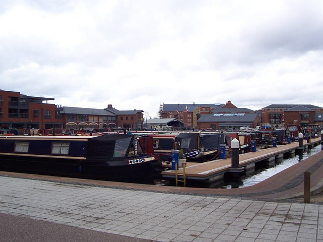 Canal boats in Diglis basin