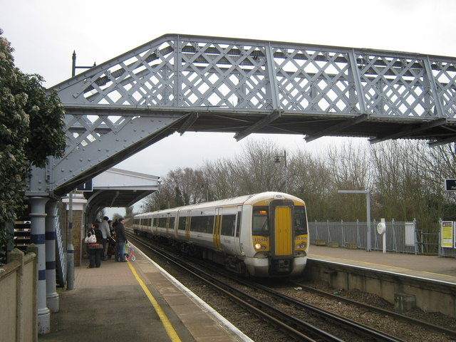 Sandwich Railway Station Platforms David Anstiss Cc By