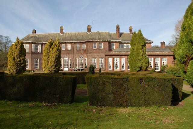 Burton Manor (college)