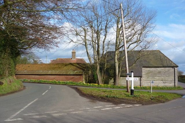 Road Junction near Schoolhouse Farm