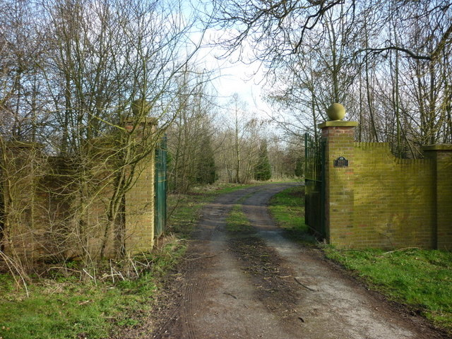 The entrance to Toad Hall, south of Foggathorpe