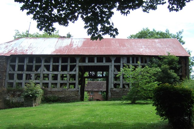Timber-framed barn, Llanvihangel Court