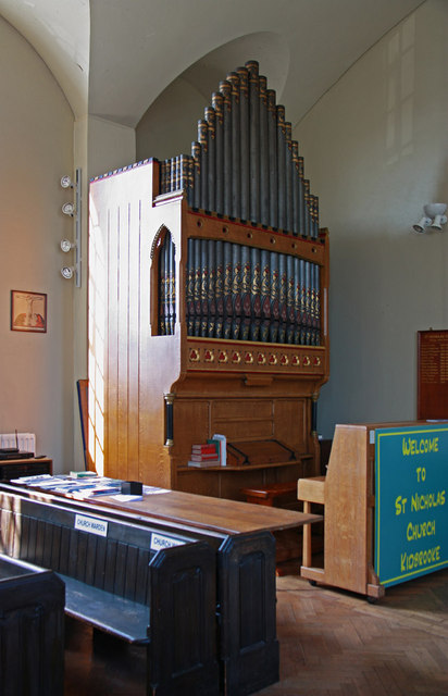 St Nicholas, Whetstone Road, Kidbrooke - Organ