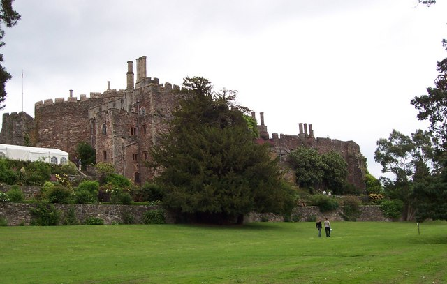 Berkeley Castle and gardens