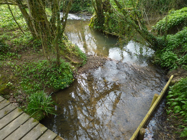 Meeting of streams from footbridge on Jubilee Trail