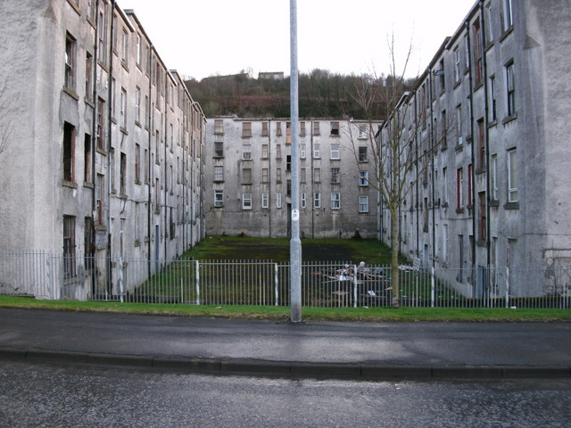 Clune Park Street © Thomas Nugent cc-by-sa/2.0 :: Geograph ...
