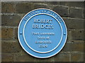Photo of Robert Bridges blue plaque