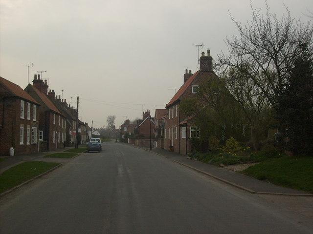Main Street, Etton