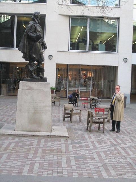 Statue of John Smith (1), Bow Churchyard