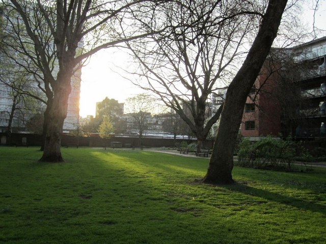 Setting sun, Bunhill Fields