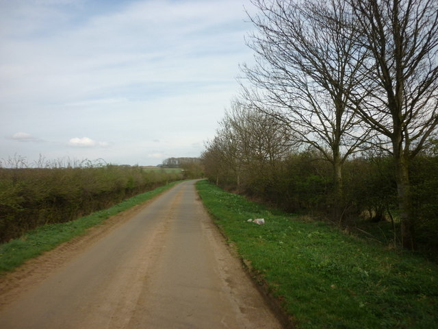 Kirton Road towards Kirton in Lindsey