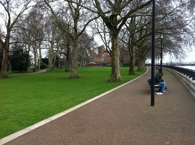 Park next to the river Thames