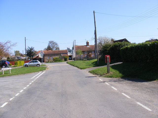 Dallinghoo Road &amp; The Crescent Postbox