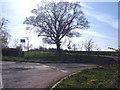 SP7226 : Driveway to Mount Pleasant Farm by Mr Biz