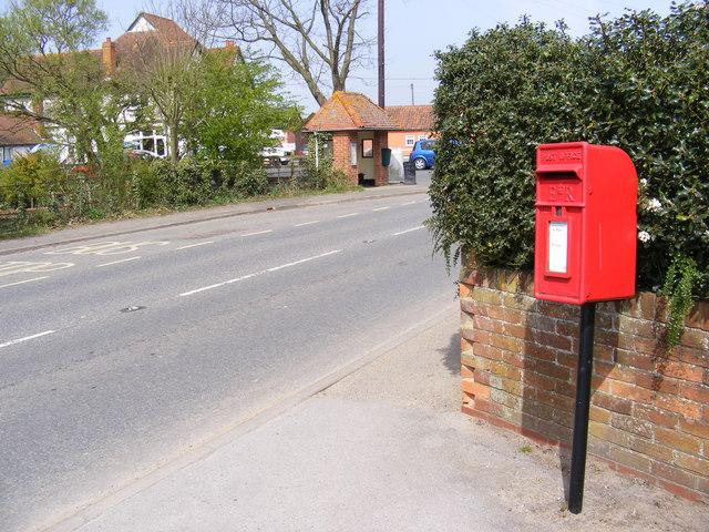 B1069 Woodbridge Road & Post Office Woodbridge Road Postbox