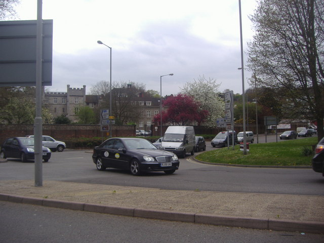 Roundabout on London Road