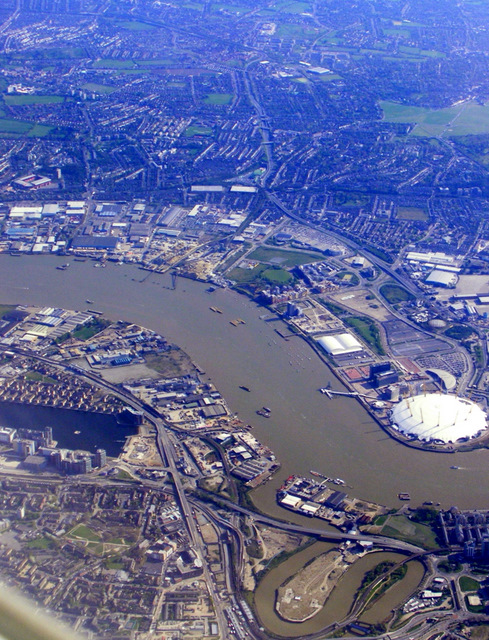 The Lea and the Thames from the air