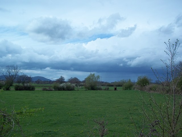 Threatening clouds north of Upton