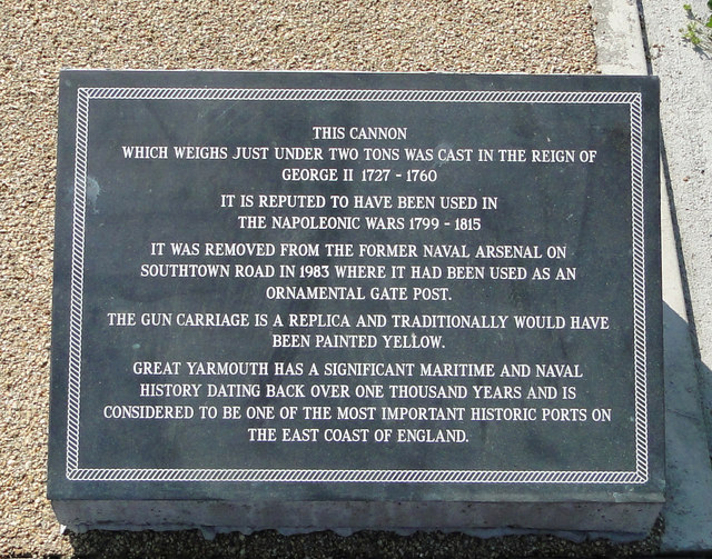 Information plaque for George II cannon at Gt Yarmouth