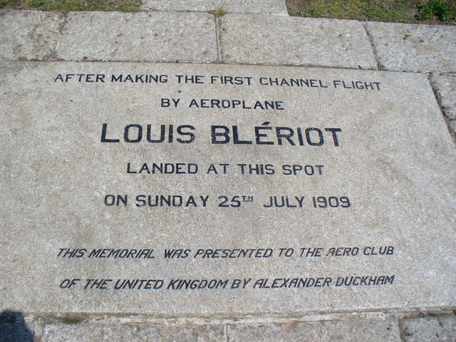 Photo of Louis Blériot white plaque