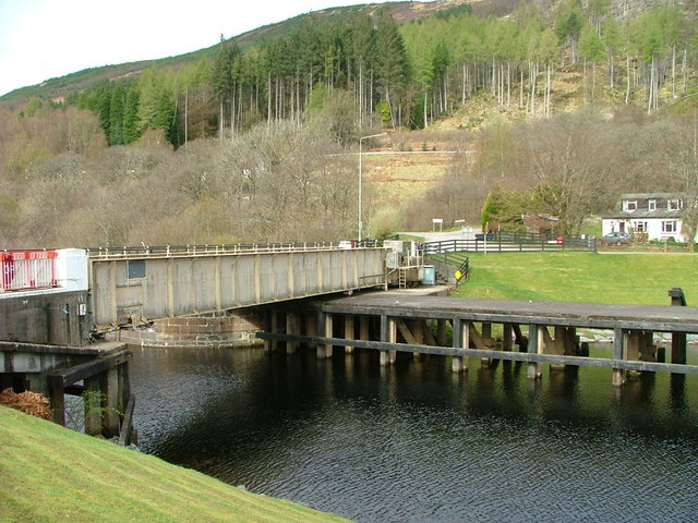 Swing bridge at Gairlochy