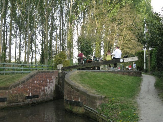 Canal-watching, Lock 37