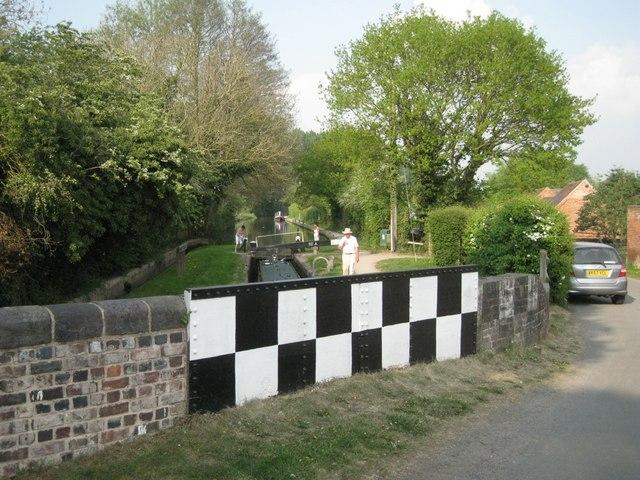 Chequerboard bridge parapets: 1