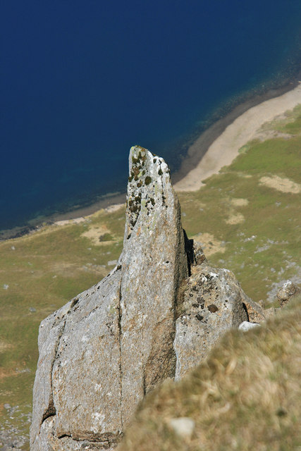 Finger of rock above Llyn y Gadair