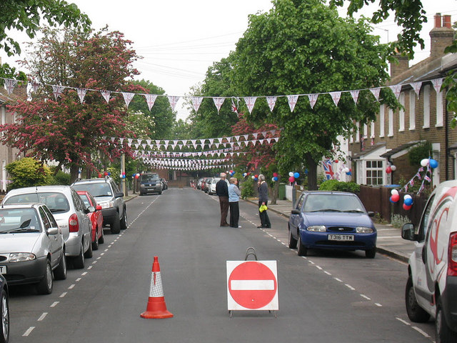 Couthurst Road street party - preparation