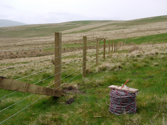 New fence on the flanks of South Pike