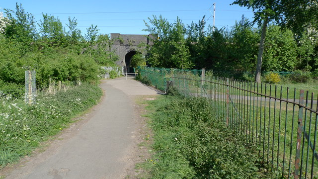 Railway underpass leading to Foxland Road