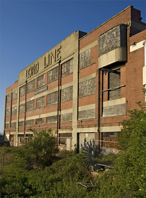 Lord Line Building, Hull © Paul Harrop cc-by-sa/2.0 ...
