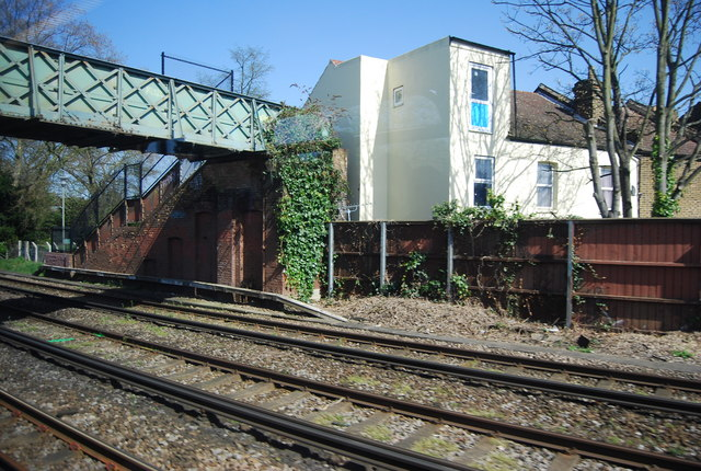 Footbridge over the railway, Shortlands