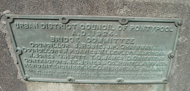Town Bridge plaque, Pontypool