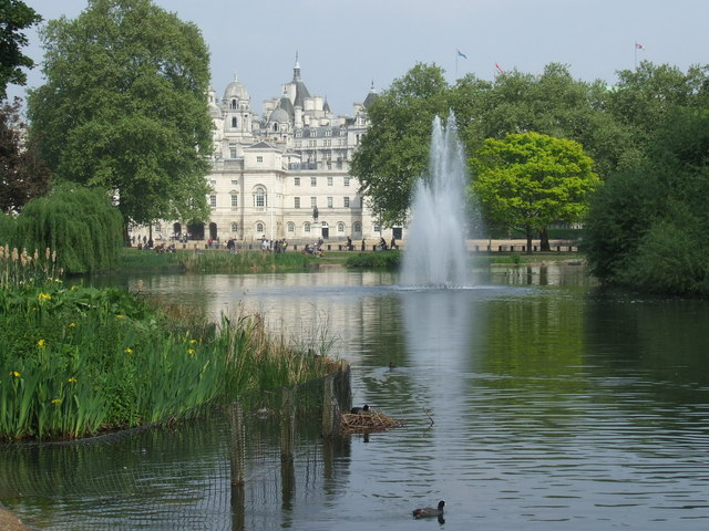 Lake in St. James' Park