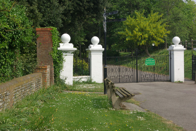 Gates to Hotham Park
