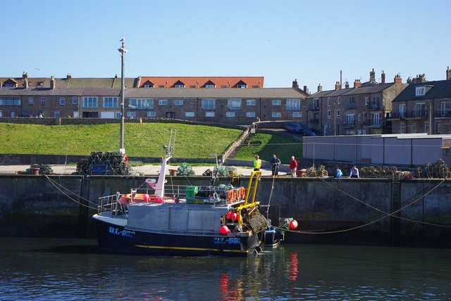 Standsure (UL-552) at Seahouses Harbour