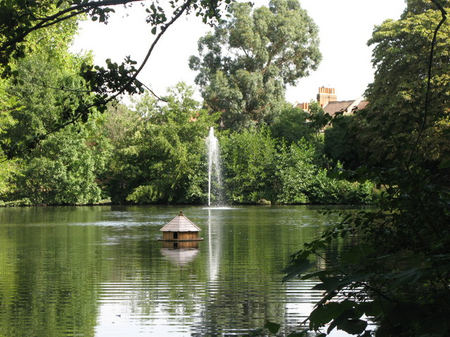 The lake in Manor House Gardens