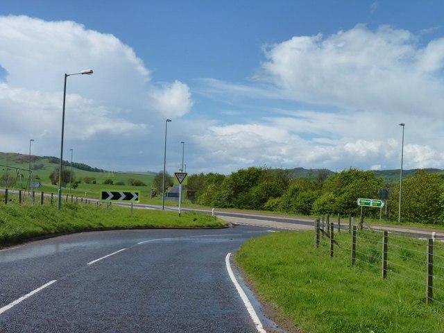 Joggled crossroads
