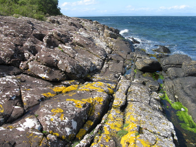 Rocky shore on the Arran Coastal Way