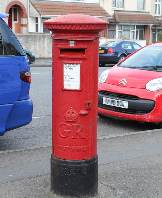 2011 : George V pillar box on Muller Road, Bristol