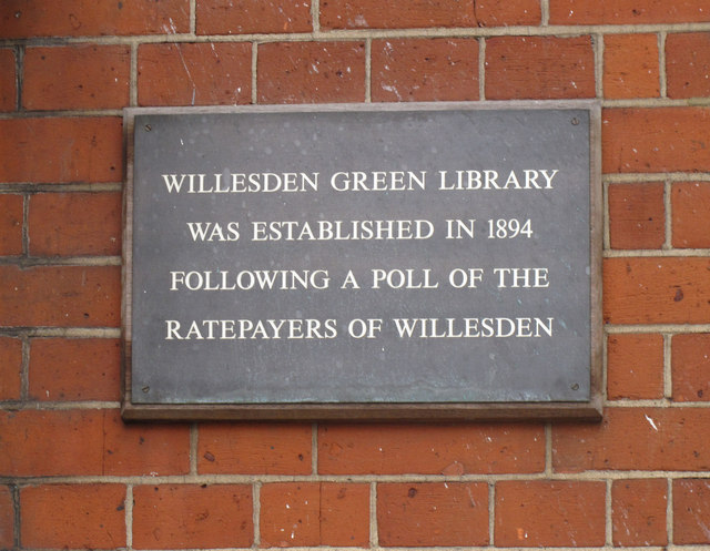 Bronze plaque № 12435 - Willesden Green library was established in 1894 following a poll of the ratepayers of Willesden