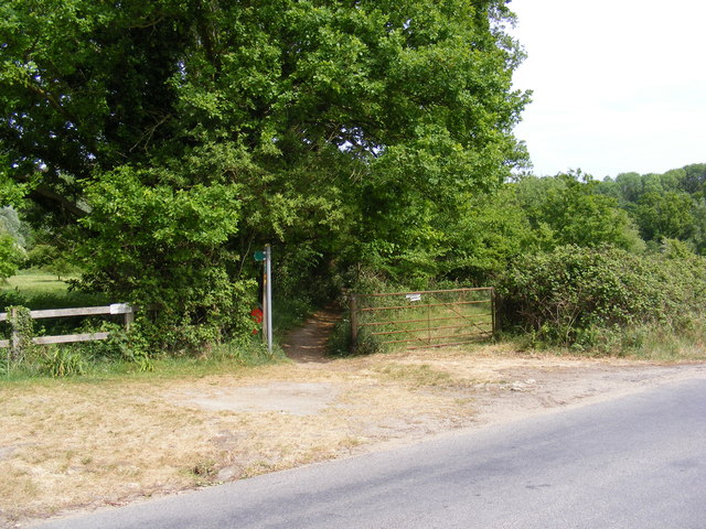Footpath to Martlesham Creek