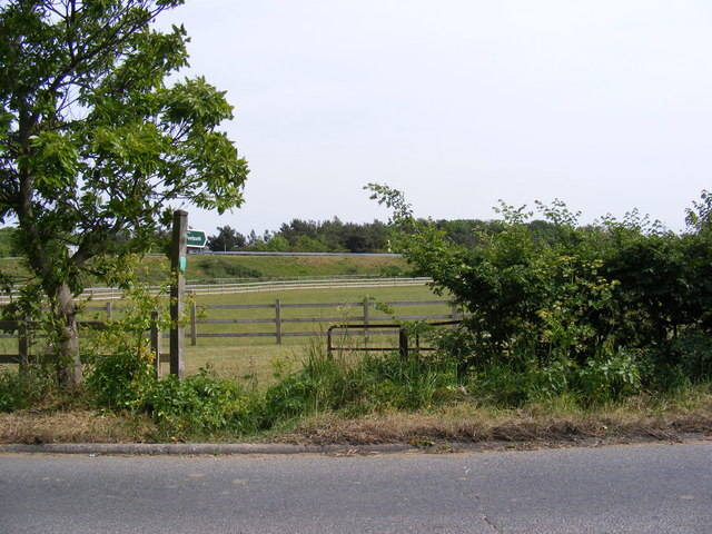 Footpath to the A12 slip road & Ash Corner